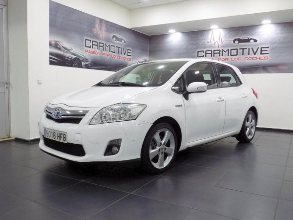 Toyota Auris Híbrido Advance 136 CV - 0
