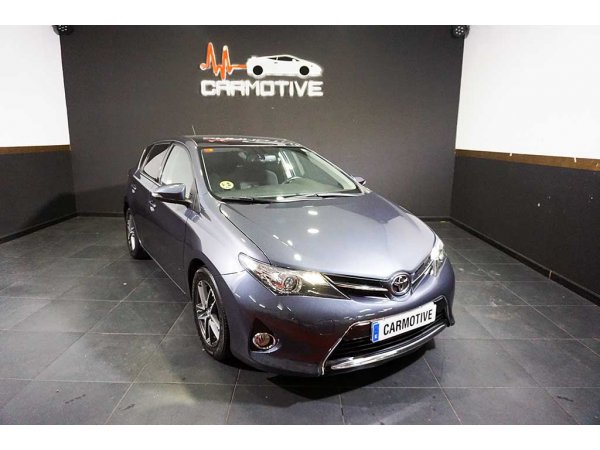 Toyota Auris 120D Advance 2.0D 124 CV - 0